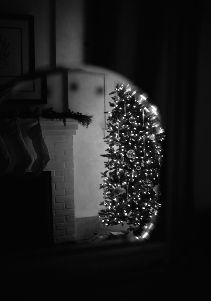 christmas-tree-in-mirror