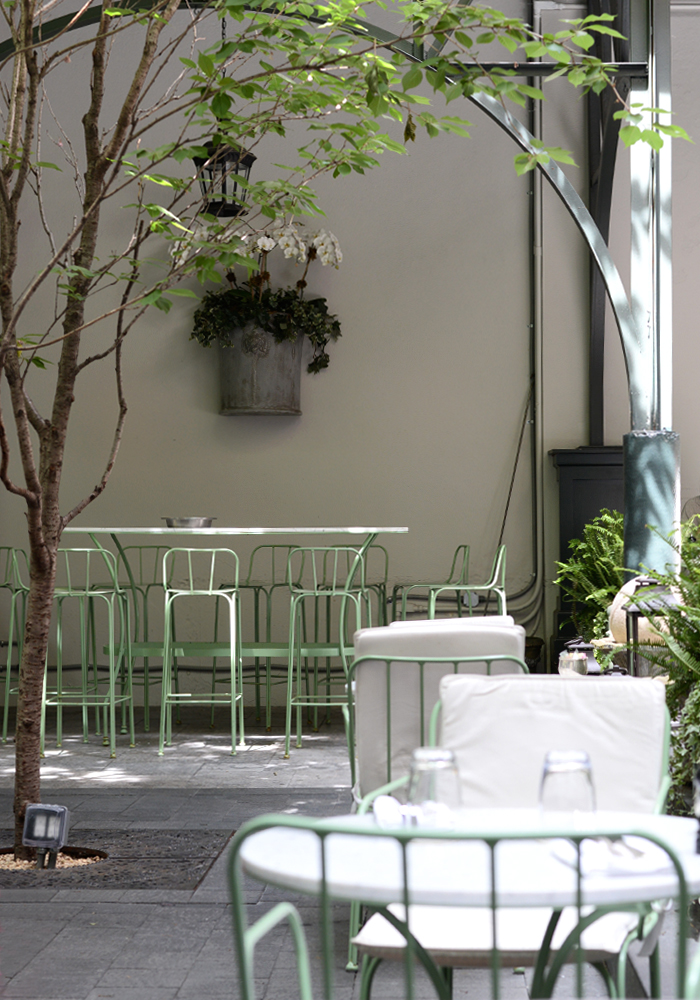 laduree-soho-patio