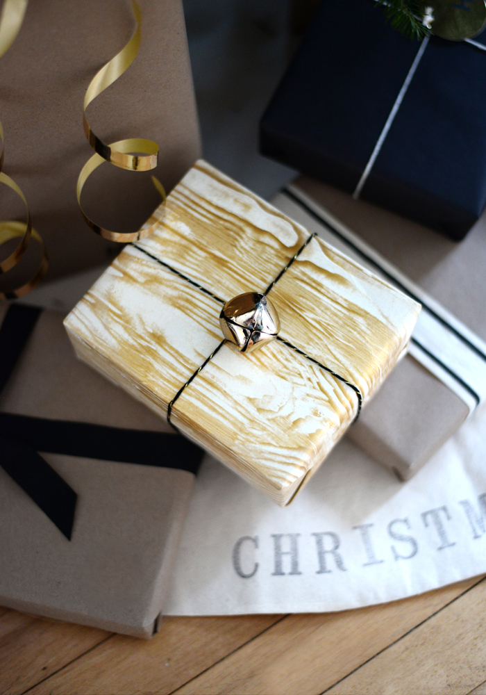 faux-bois-wrapping-paper